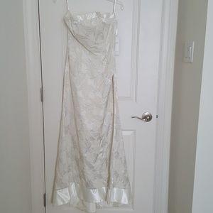 jessica mcclintock NWT 6 gown